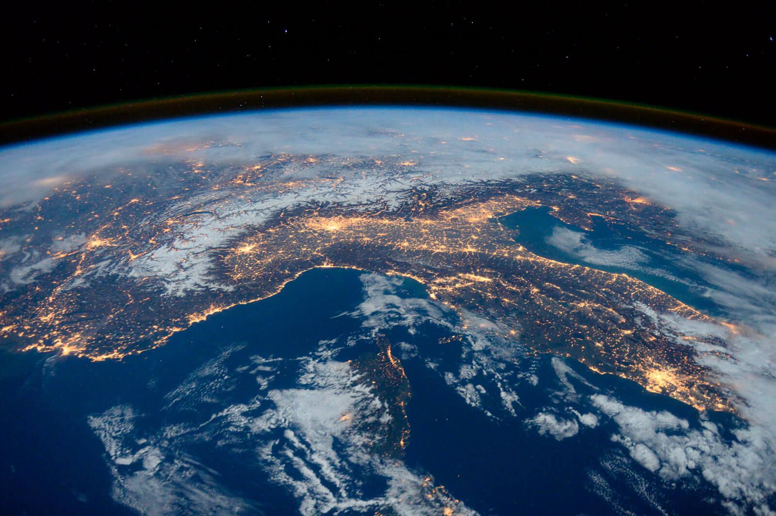 Planeta Terra visto do espaço, um verdadeiro Mundo Generativo.