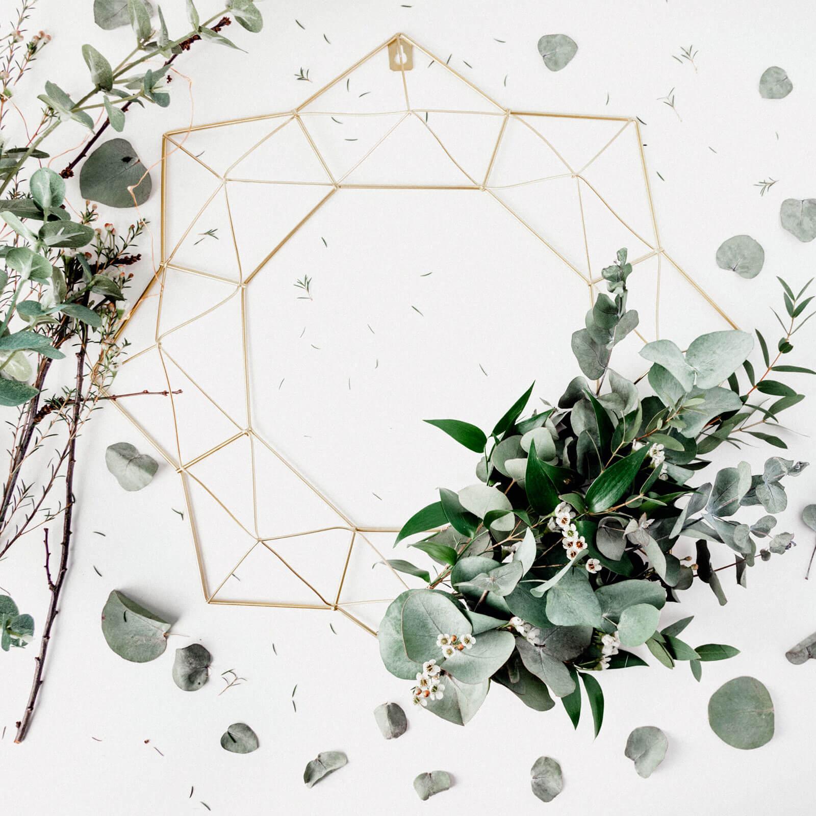 Mandala com folhas e flores