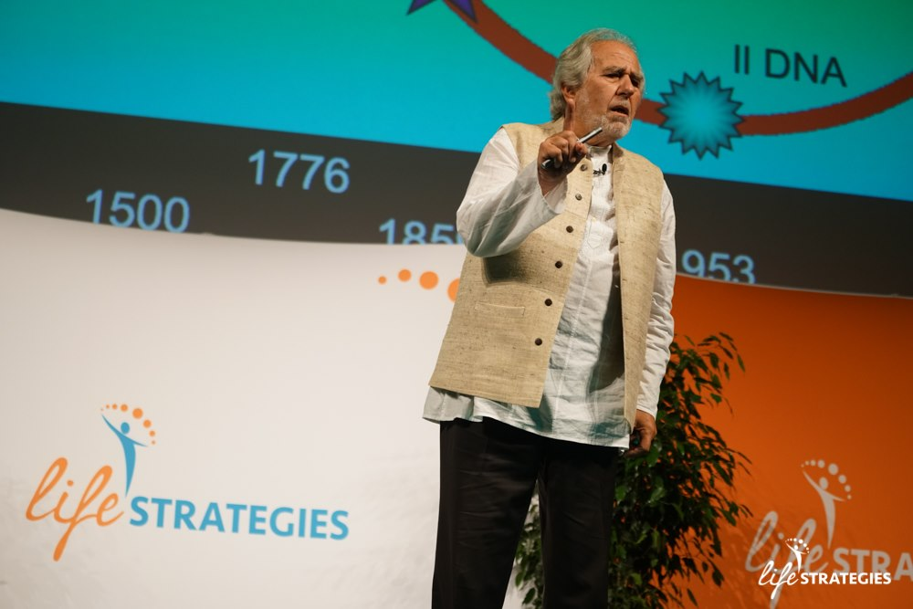 Bruce Lipton no evento Life Strategies, em Roma