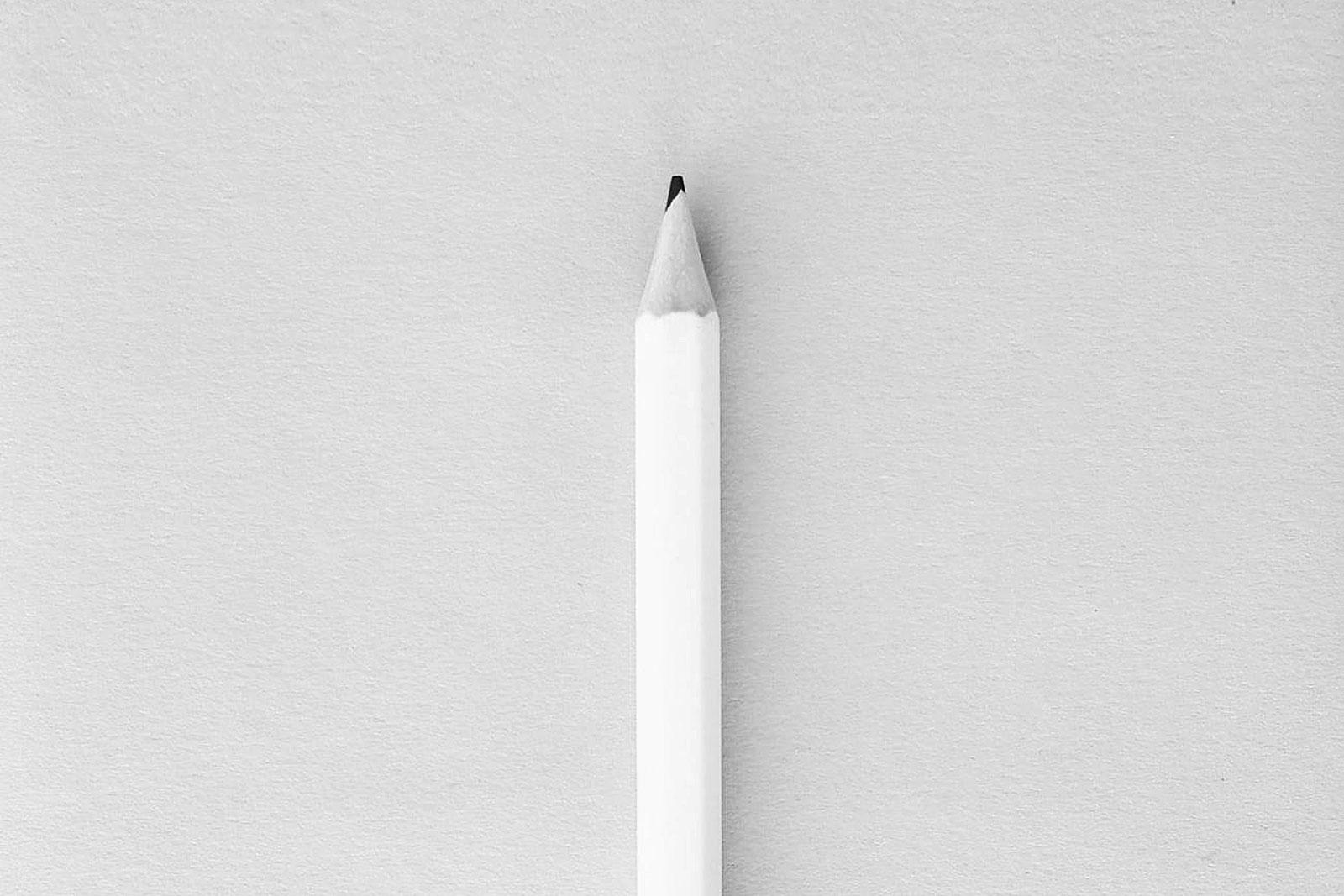 Lápis sobre mesa